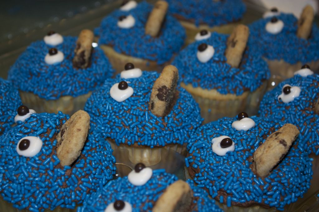 cookie monster cake. version of Cookie Monster